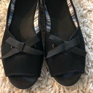 UGG peep toe flats. Size 7.5